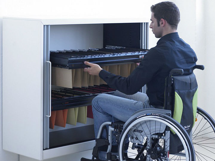 An increasing number of companies are revising their policies and practices, including those relating to diversity and inclusion, human resources and accessibility, so that people with disabilities have better access to employment opportunities.