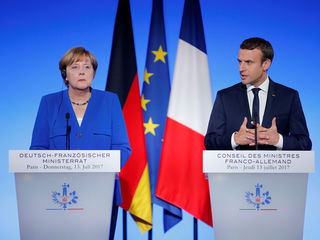 The northern Europeans opposed his ideas, letting them do the running for Merkel. Not only that. European leaders didn't offer their own views about Europe's future. It's as if they were afraid of challenging euroskeptics and populists, who were quick to capitalize on their silence. The Franco-German engine lacked the steam to move forward.