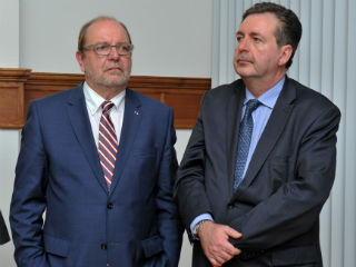 Brussels Commissioner Alain Hutchinson (left) with President of the Brussels Region Rudy Vervoort